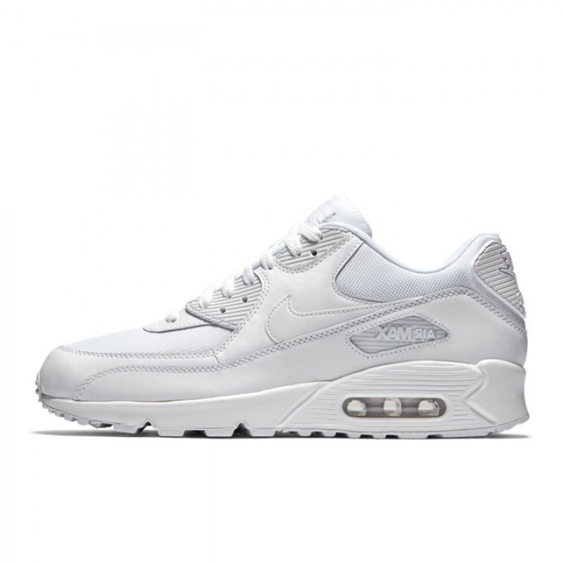 Sepatu Sneakers Nike Air Max 90 Essential Triple White