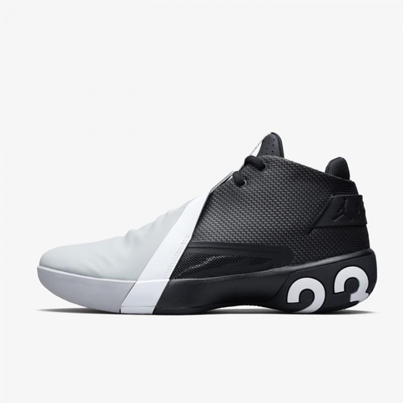 Jual Sepatu Basket Jordan Ultra.Fly 3 Black Original  c39436ef57